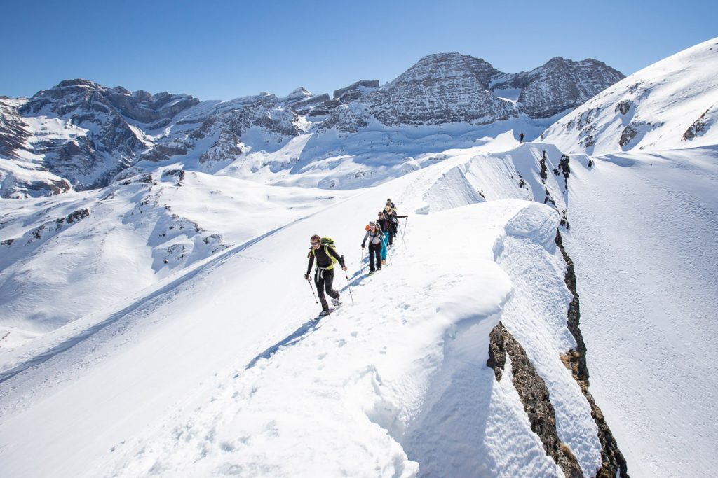 neige-acumpanyat-pyrenees-raquettes-guide